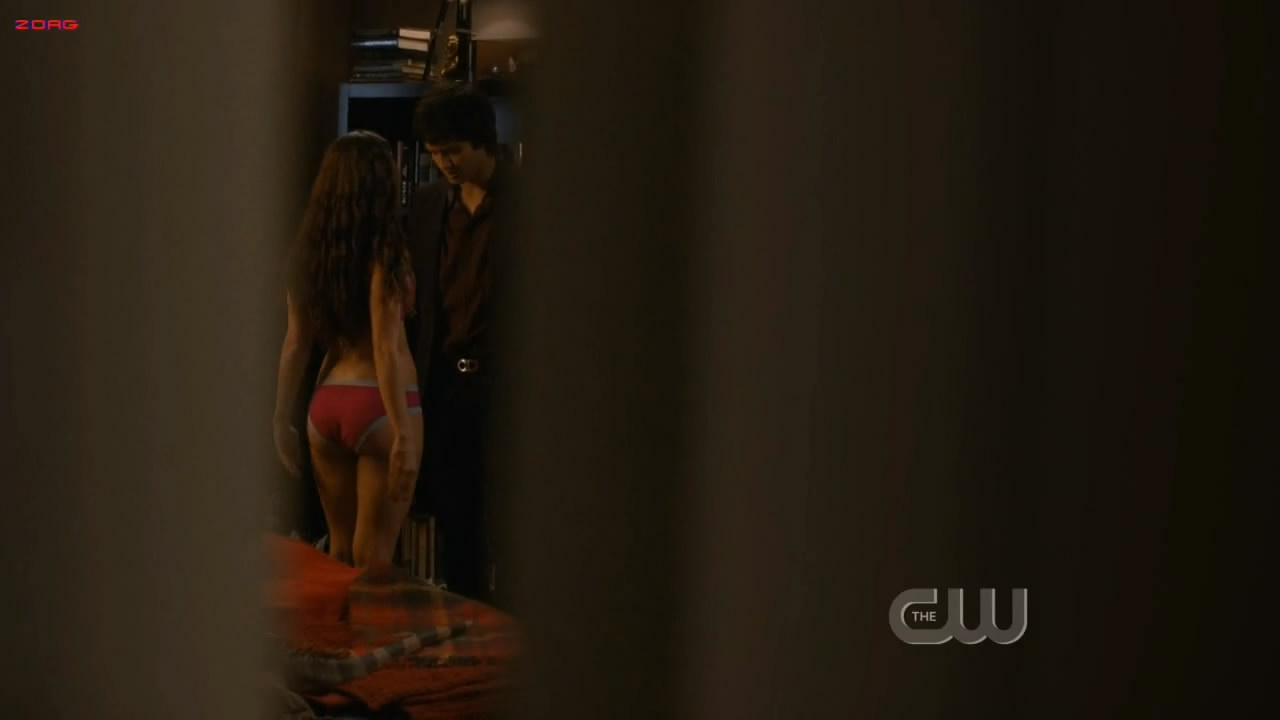Jessica Lowndes hot in lingerie - 90210 S03E14 HD720