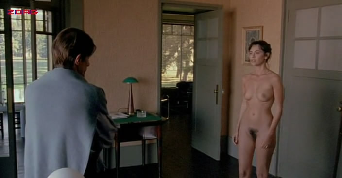 Mathilda May full frontal nude topless bush - Toutes peines confondues (1992)