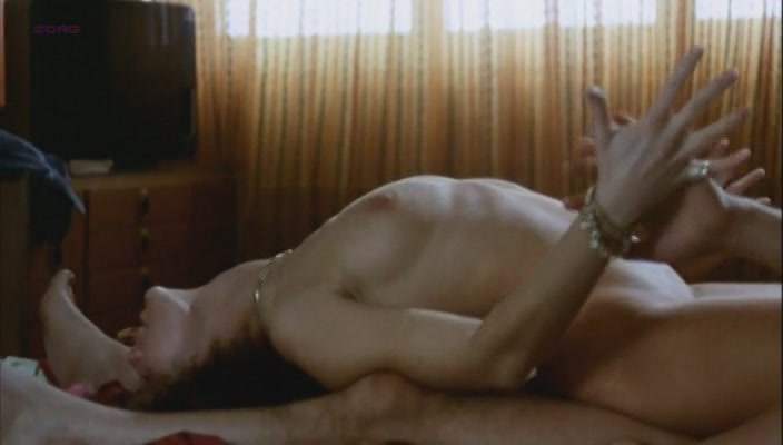 Corinne Clery nude topless and hot sex ... e tanta paura (1976)