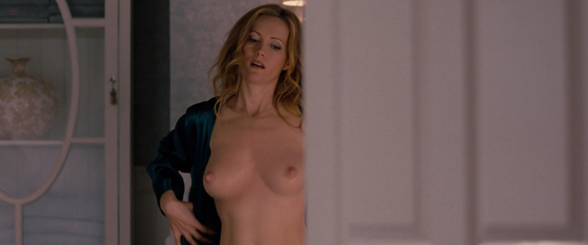 "Leslie Mann cgi topless in ""The Change Up"" (2011) video hd1080p"