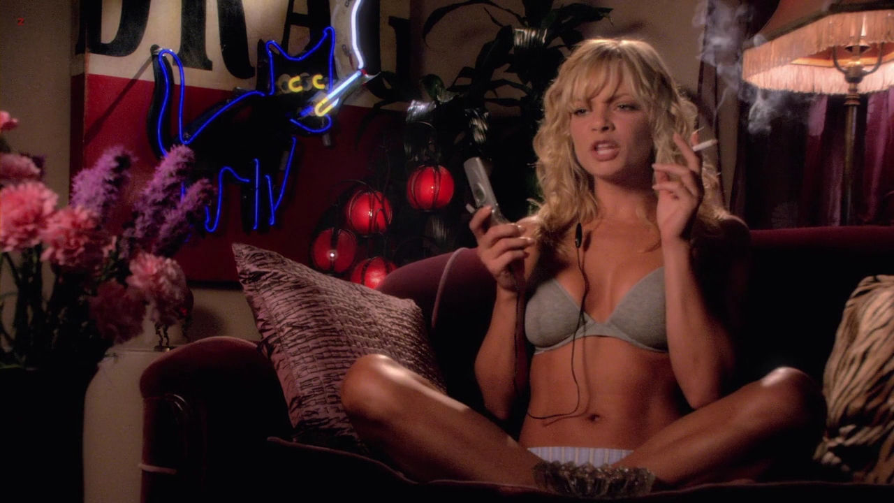 Jaime Pressly hot cleavage and Molly Sims hot sexy – Venus and Vegas  (2010) hd720p