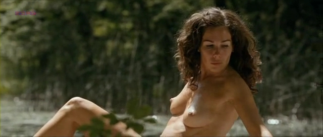 Halina Reijn nude topless and nude bush and butt from Dutch movie – Isabelle (2011)