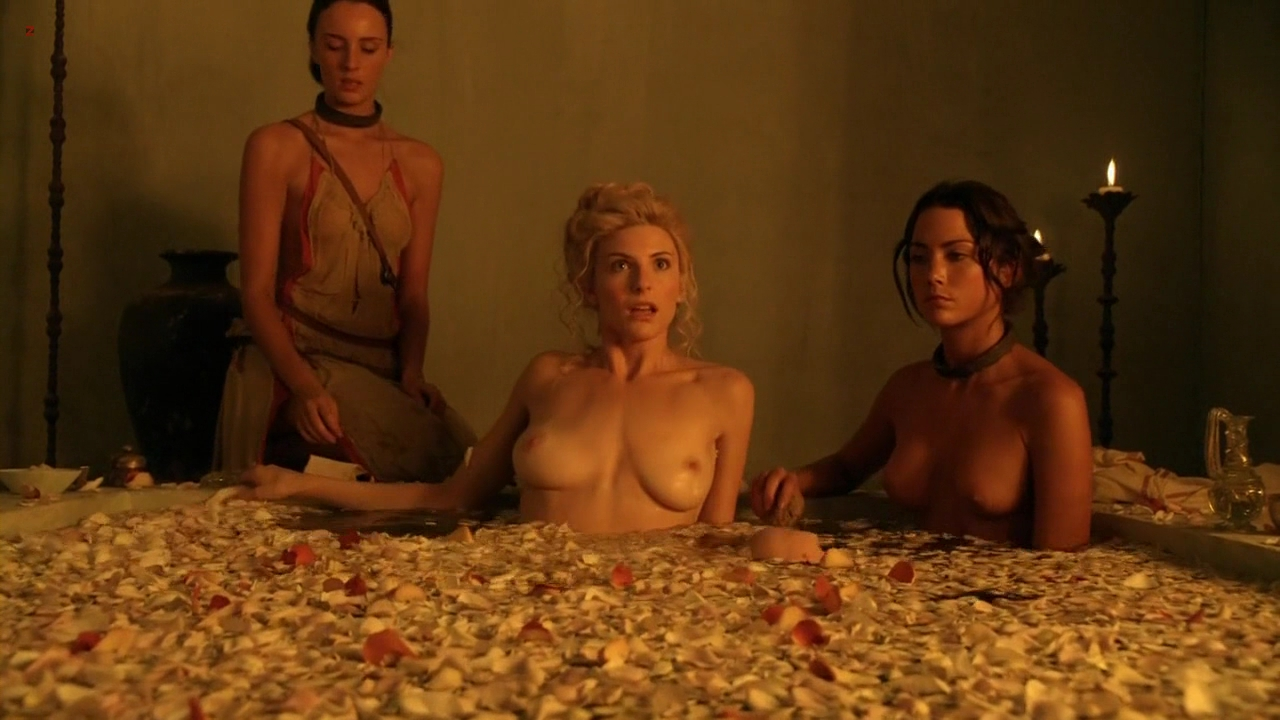 "Viva Bianca nude in the bath in ""Spartacus: Vengeance"" s2e2 hd720p"
