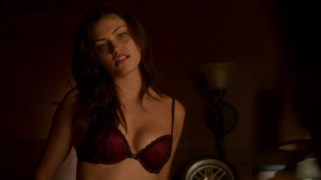 Phoebe Tonkin hot in lingerie and sex – The Secret Circle s1e14 hd720p