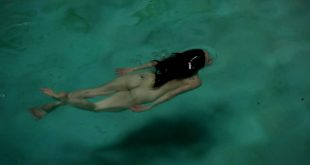 Mary-Louise Parker naked skinny dipping bush - Weeds s08e04 hd1080p (4)
