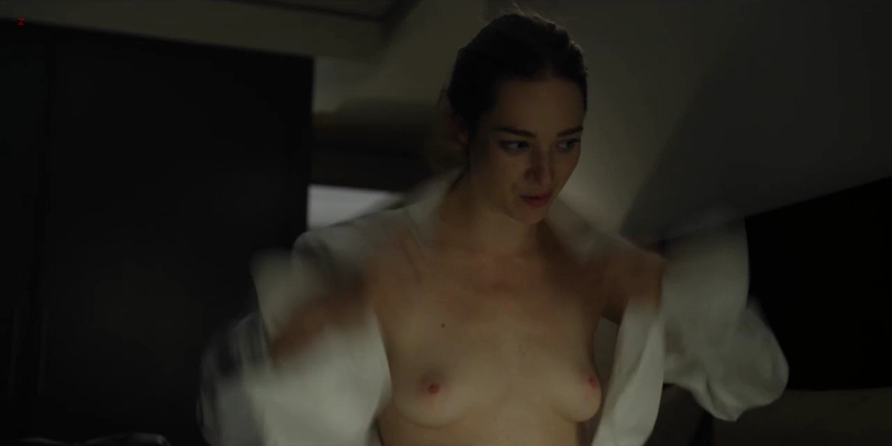 Kristen Connolly nude topless - House Of Cards s01e01 (2013) hd720p