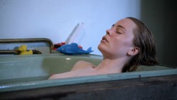 Melissa George nude topless in Aussie soap - The Slap s1e5 hd1080p (5)