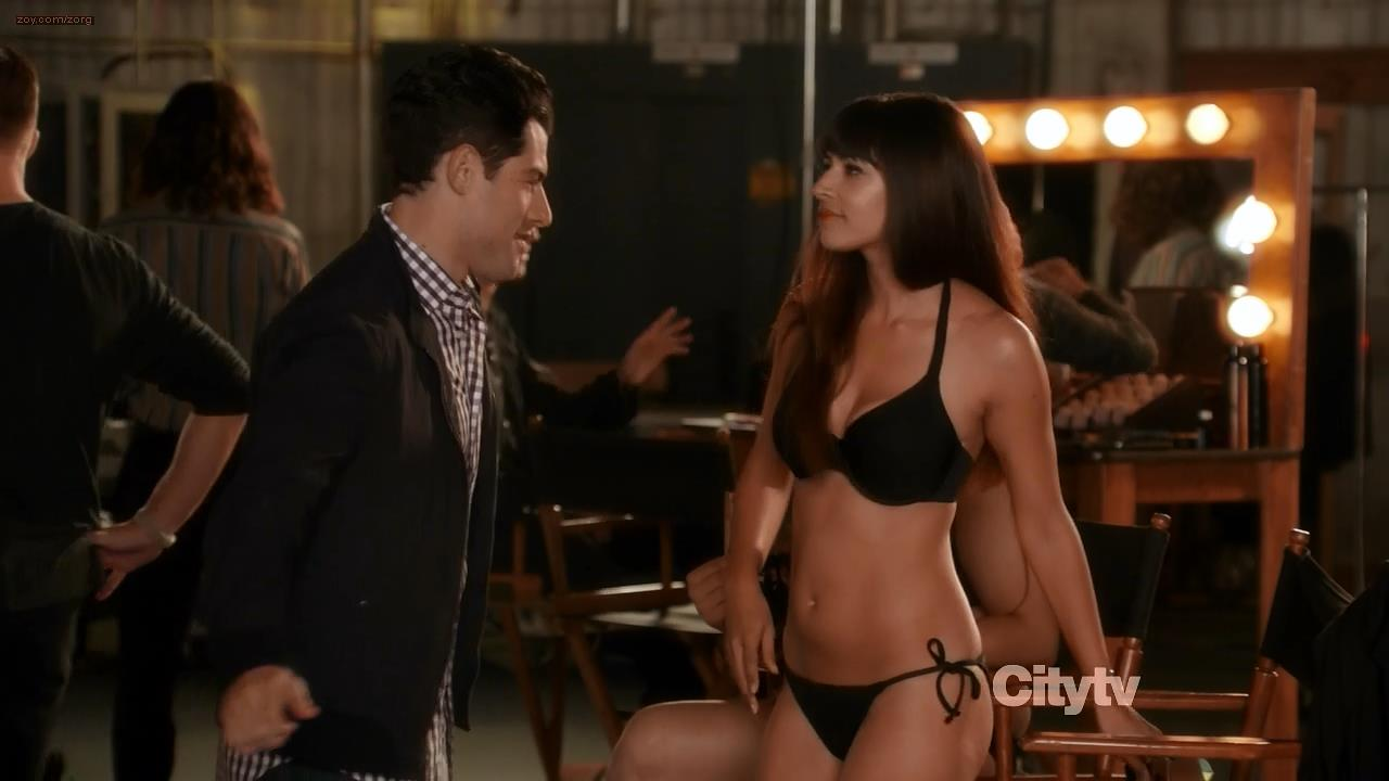 Hannah Simone very sexy in bra and panties - New Girl s1e9 hd720p