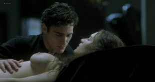Kate Winslet and Rebecca Palmer naked Amelia Warner hot sexy - Quills (2000) HD 720p (17)