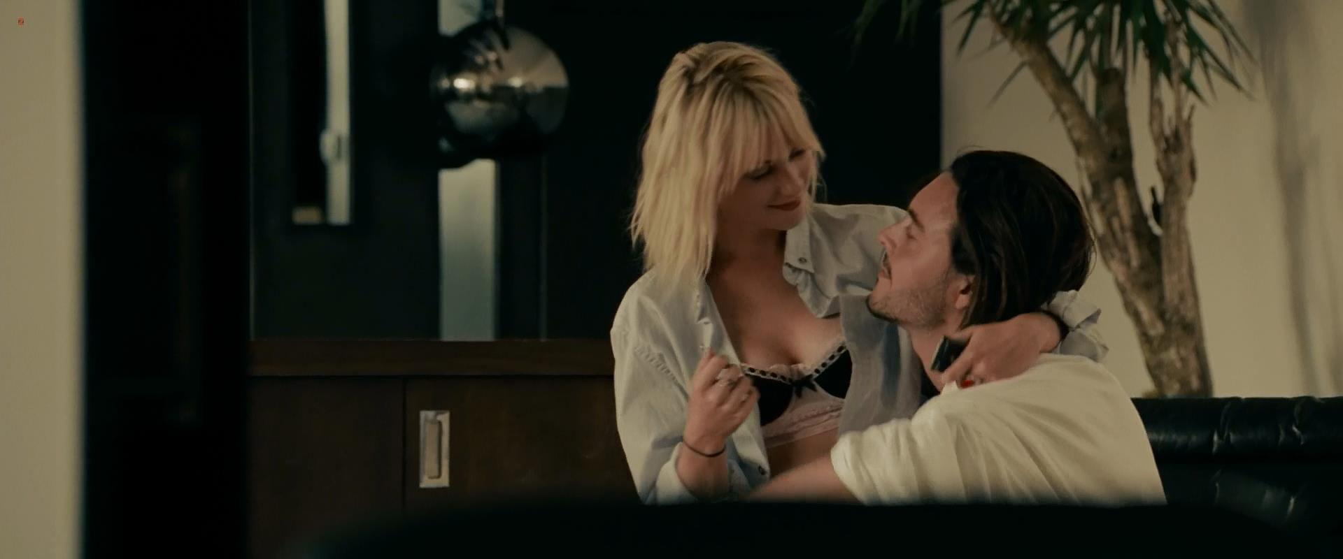 Laura Ramsey sexy and cool - Shrink (2009) hd1080p
