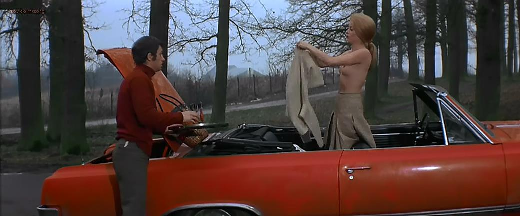 Catherine Deneuve nude topless and hot lingerie – La sirene du Mississipi (FR-1969)