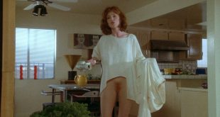 Julianne Moore butt naked full frontal other's nude too - Short Cuts (1993) HD 1080p BluRay (3)