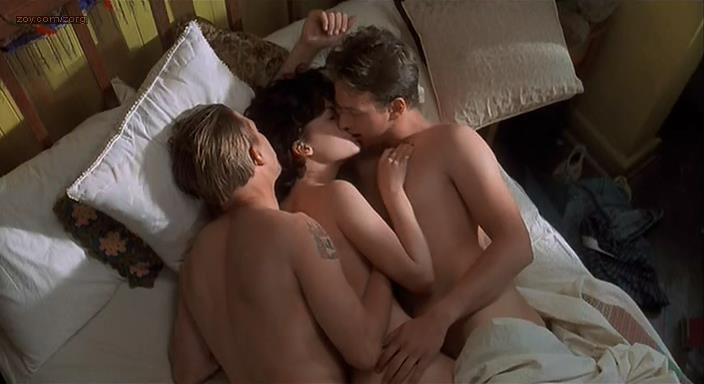 Lara Flynn Boyle butt naked and sex threesome and Katherine Kousi nude topless - Threesome (1994)