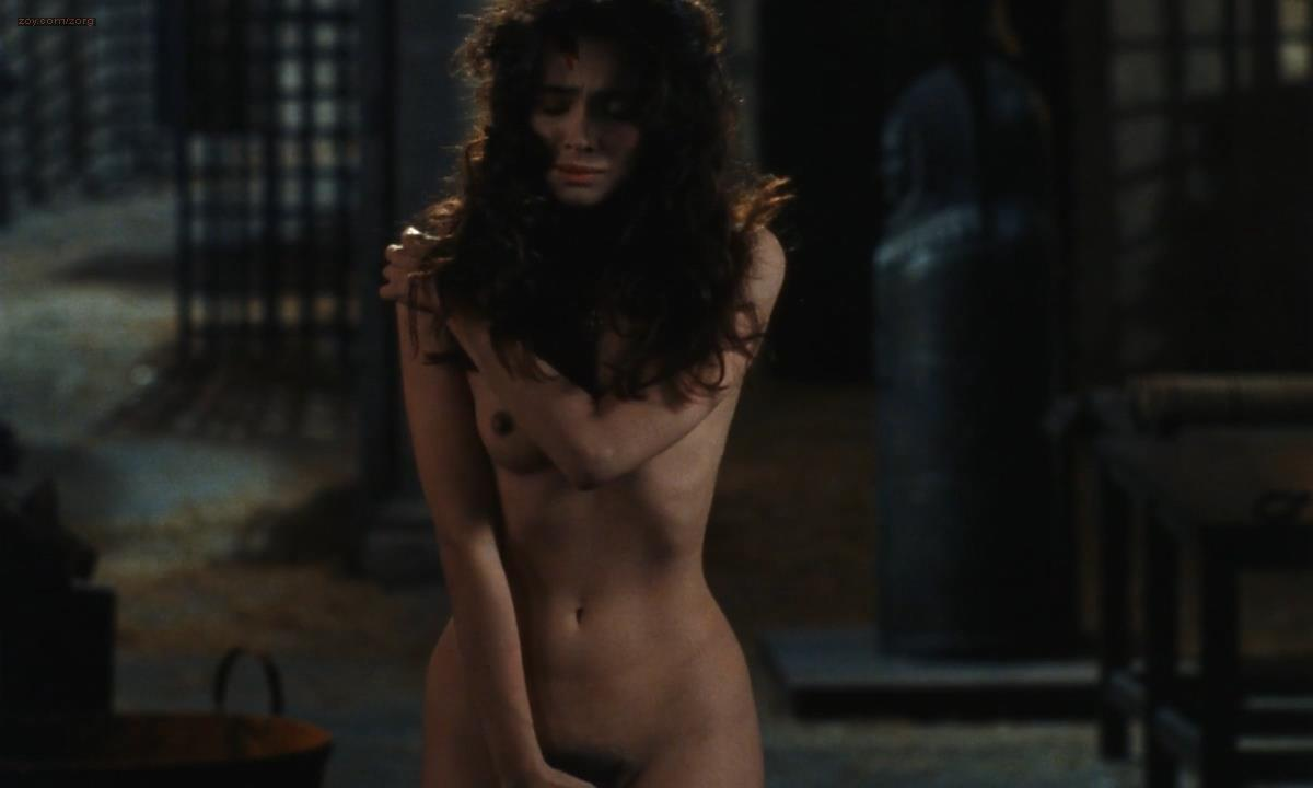 Rona De Ricci nude full frontal bush - The Pit and the Pendulum (1990) hd720p