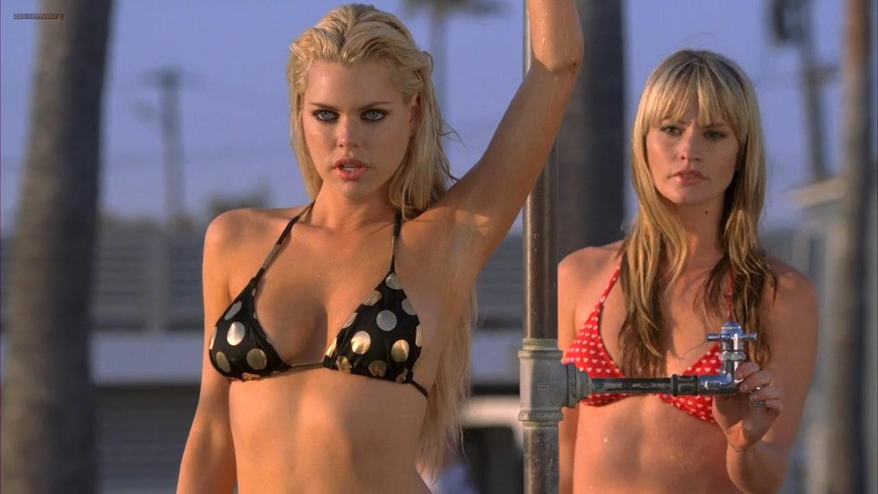 Sophie Monk and Cameron Richardson very hot in bikini - Hard Breakers (2010) hd720p