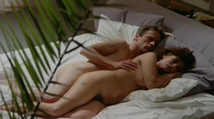 Serena Grandi nude topless bush full frontral oral and near exolicit - Desiderando Giulia (1986)