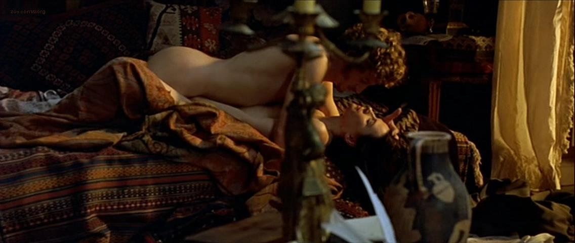 Juliette Binoche nude and sex - The Children of the Century (1999)