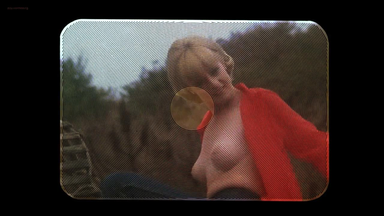 Lisa Blount nude brief topless while posing for a shoot - Dead & Buried (1981) hd720p