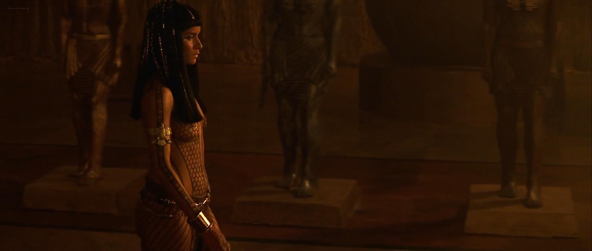 Mummy Movie Images: Sofia Boutella s Monstrous Makeover Collider Pictures from the mummy