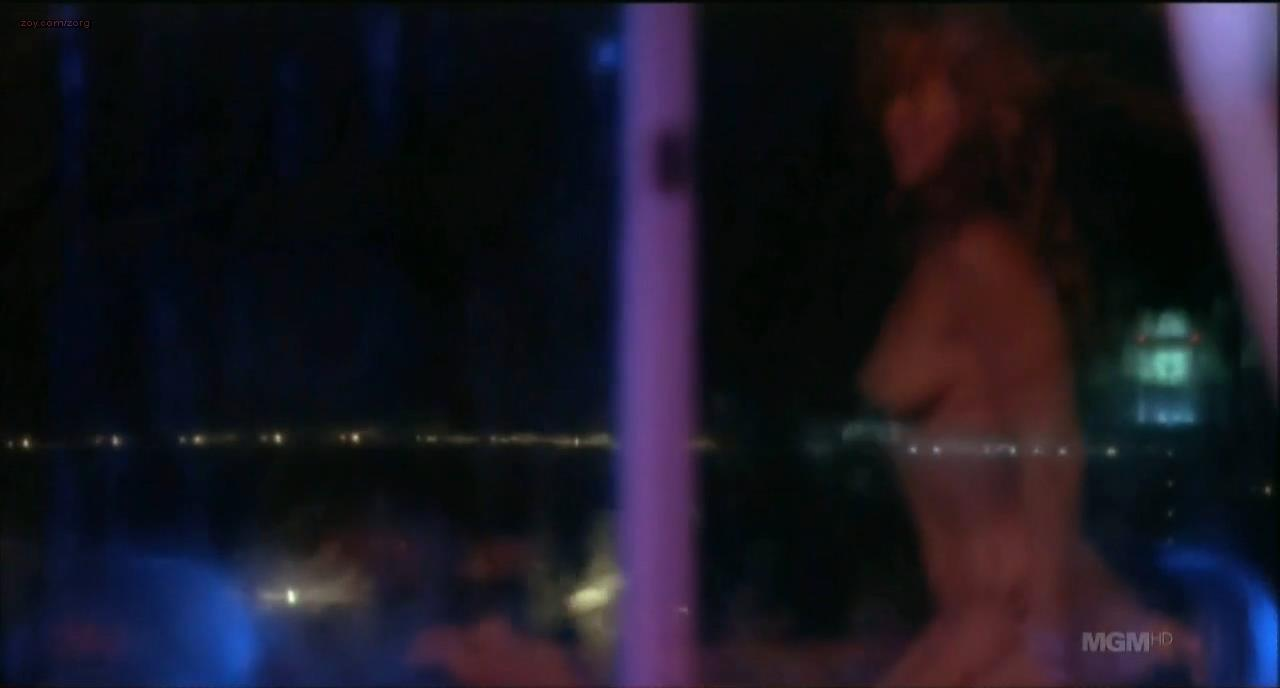 melissa clarke naked and going pee