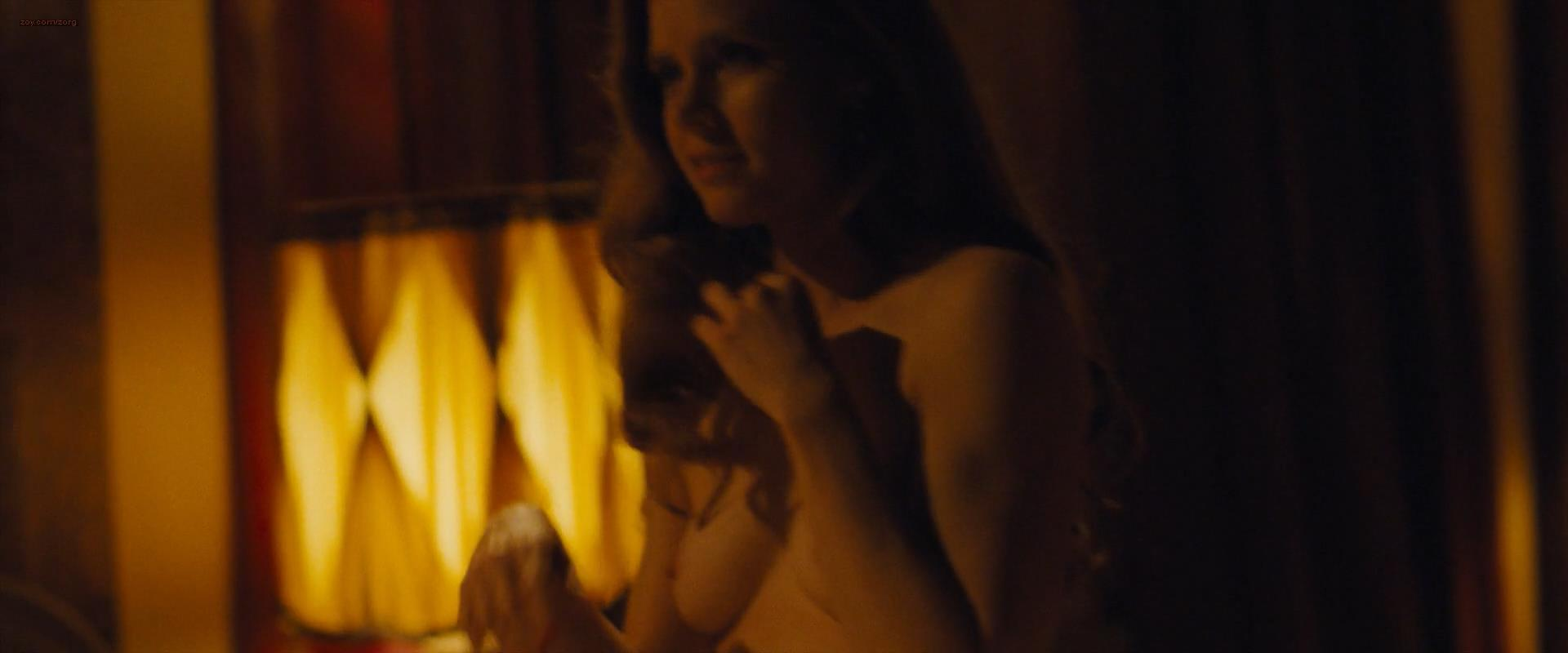 Amy Adams nude briefly topless and very hot and Jennifer Lawrence very hot – American Hustle (2013) hd1080p
