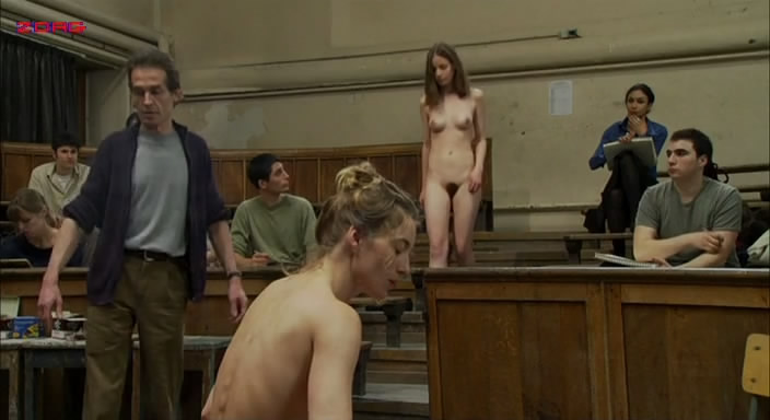 Patricia Chraskova nude full frontal topless and bush - À l'est de moi (2008) (3)
