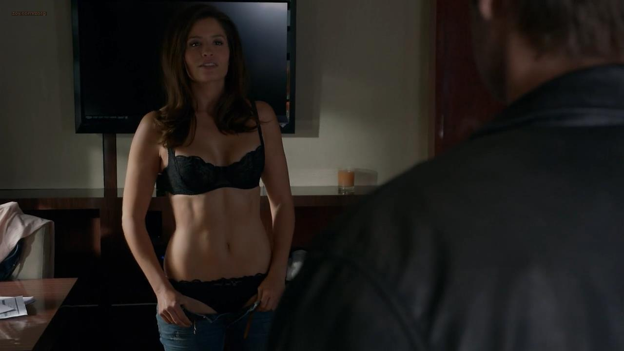 Heater Graham and Mercedes Masohn hot and sexy – Californication (2014) s7e8 hd720p