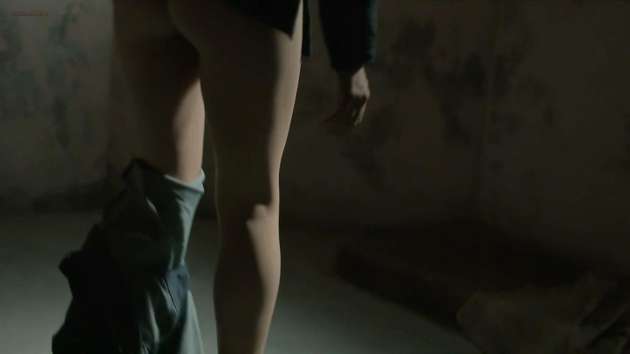 Maggie Gyllenhaal butt naked – The Honourable Woman (2014) s1e4 hd720