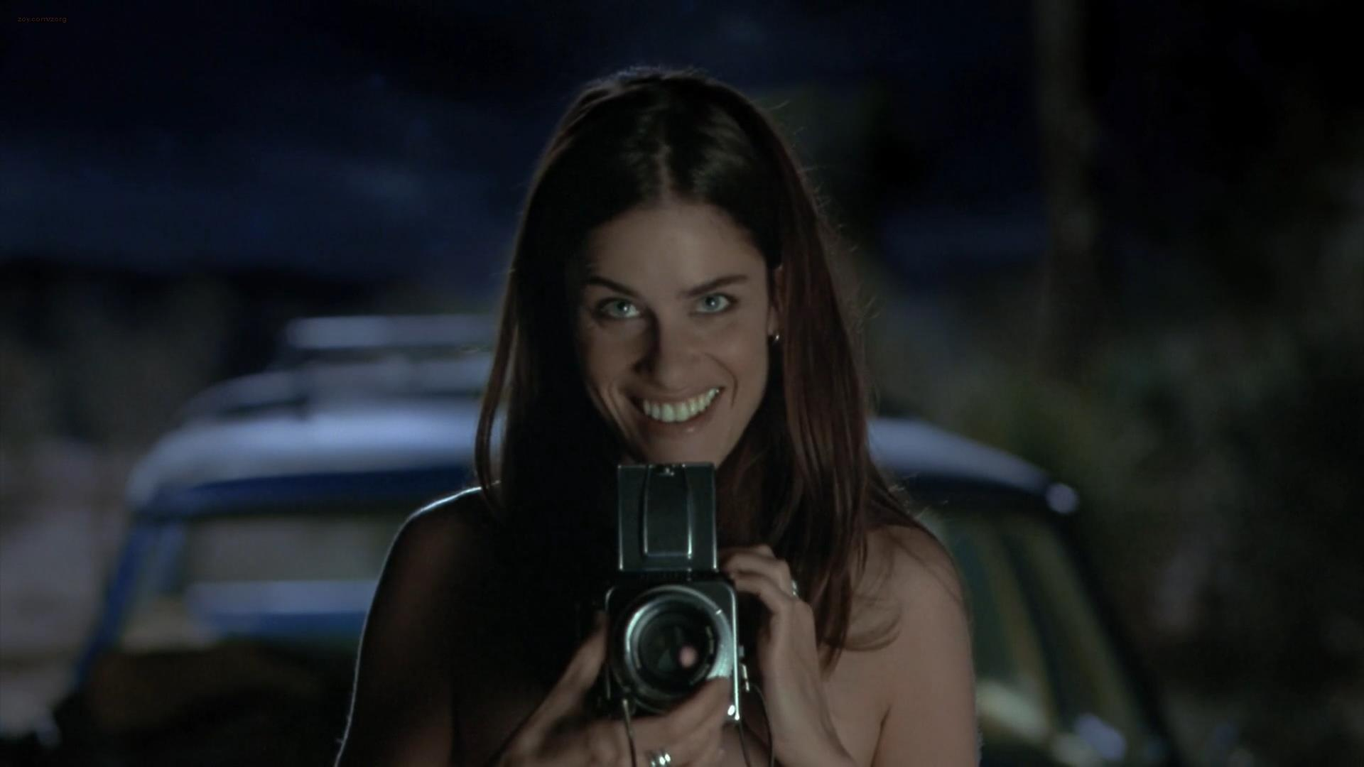 Amanda peet nude in whole nine yards 1