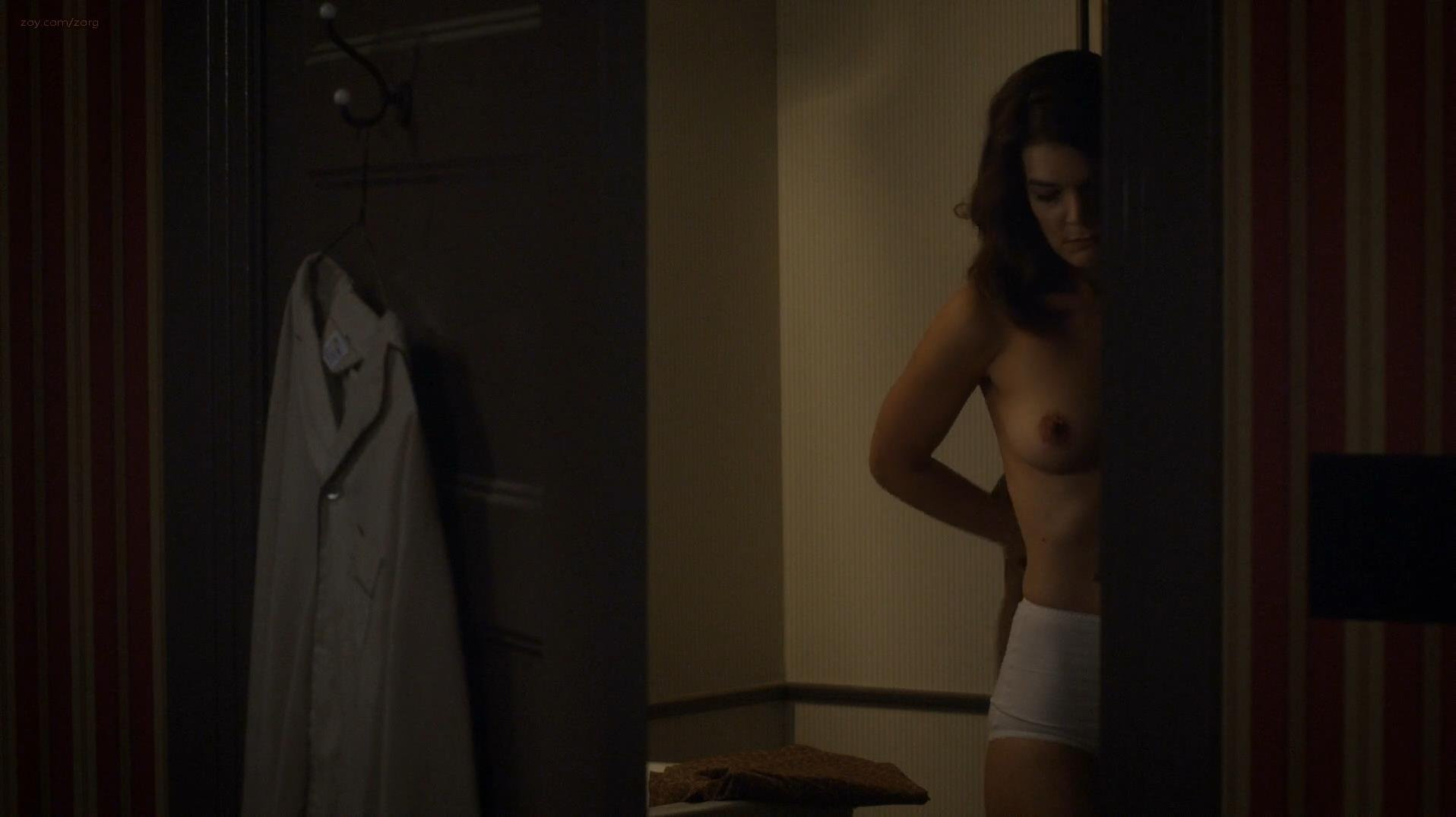 naked nude Lizzy caplan