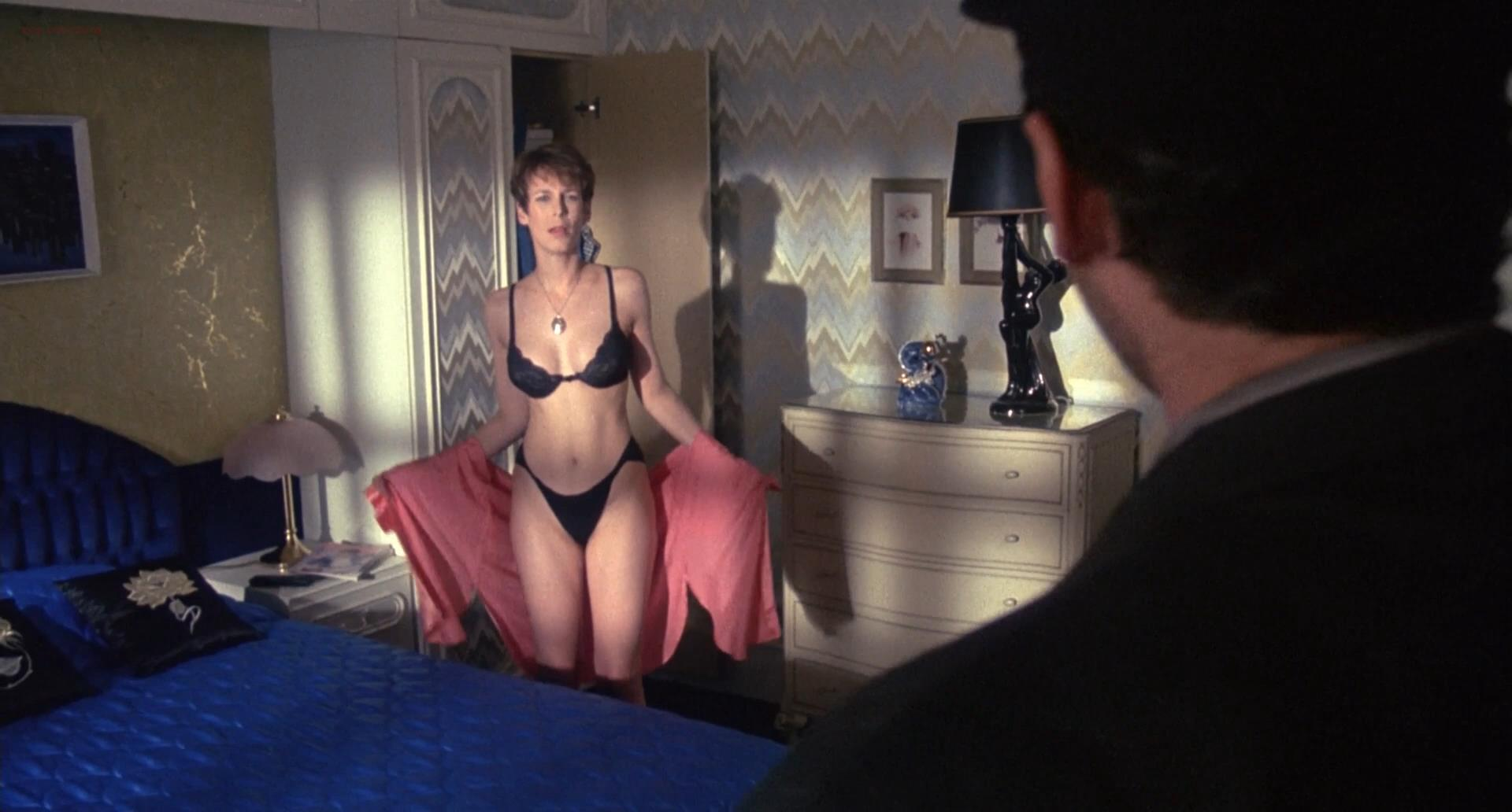 Jamie Lee Curtis hot and sexy - A Fish Called Wanda (1988) hd1080p (5)