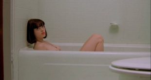 Rose McGowan nude topless and sex threesome - The Doom Generation (1995) hd720p (14)