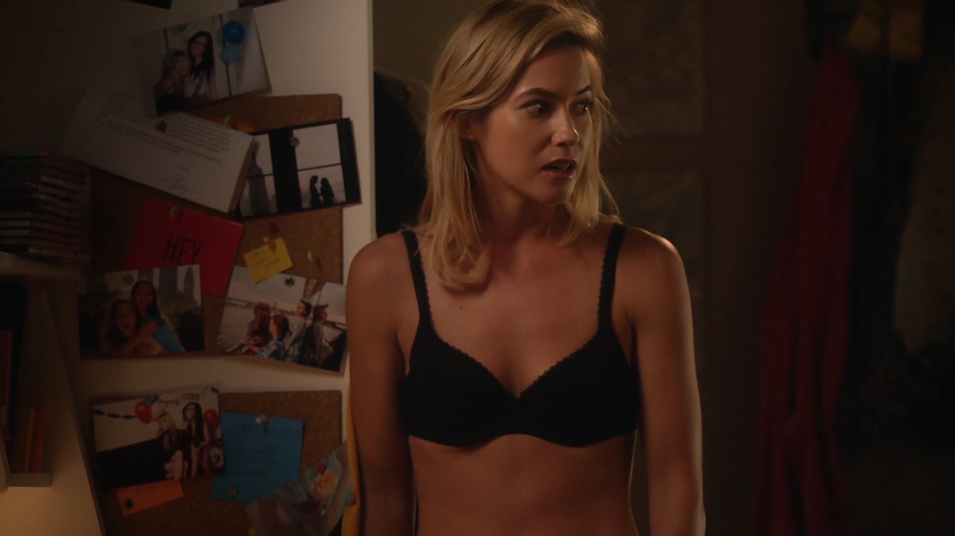 sexy hot picthers of laura ramsey