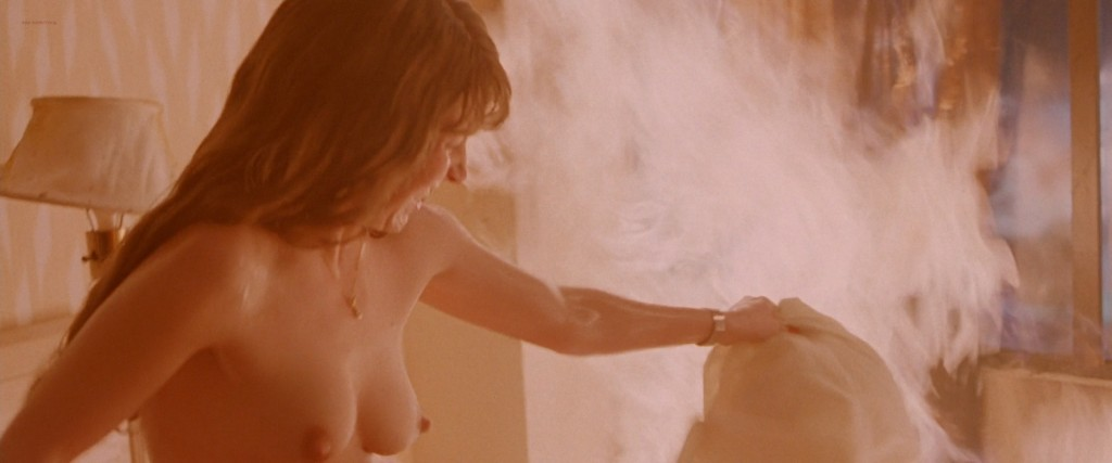 Sarah Polley not nude hot cleavage Nikki Fritz nude topless and others all nude - Go (1999) hd1080p (5)