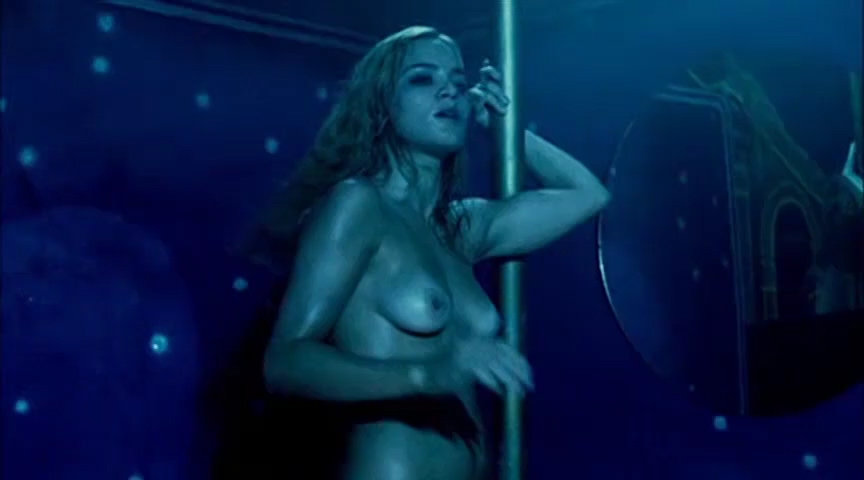 Alice Braga nude topless bush and lot of sex – Cidade Baixa (BR-2005)