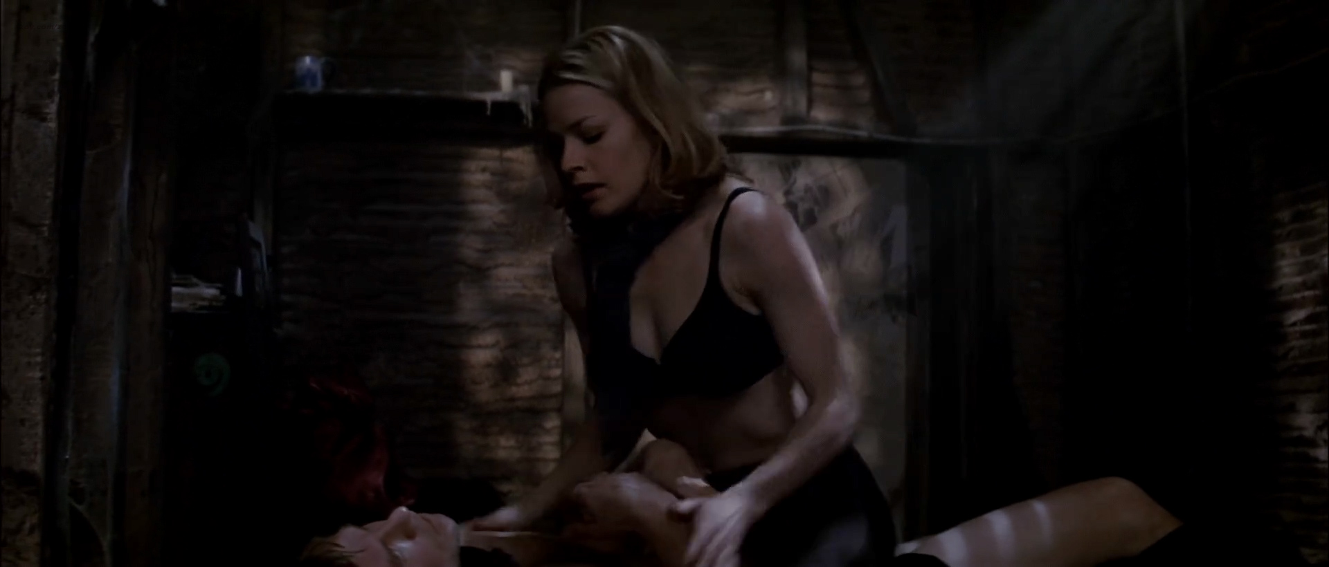Elisabeth Shue hot sexy some sex too – The Saint (1997) hd1080p WEB-DL