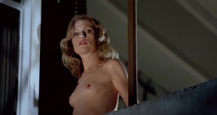 Isabelle Huppert nude butt and topless and Elizabeth McGovern hot - The Bedroom Window (1987) HD 720p Web-Dl (6)