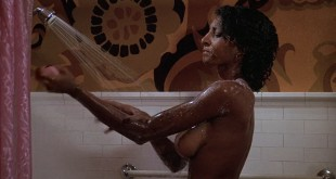 Pam Grier nude in shower and Rosalind Miles nude too - Friday Foster (1975) HD 720p BluRay (5)