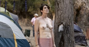 Gaby Hoffmann nude bush and topless, Jiz Lee nude Carrie Brownstein lesbian - Transparent (2015) S02 HD 1080p (10)