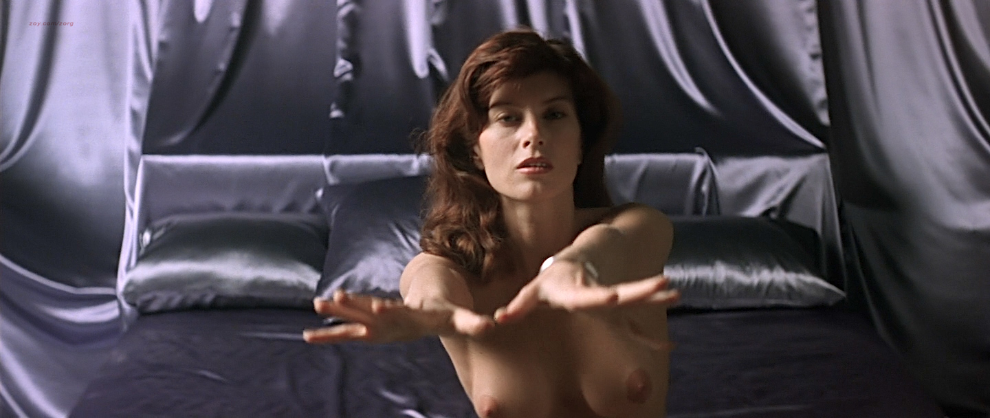 Speaking, would Mia sara totally nude