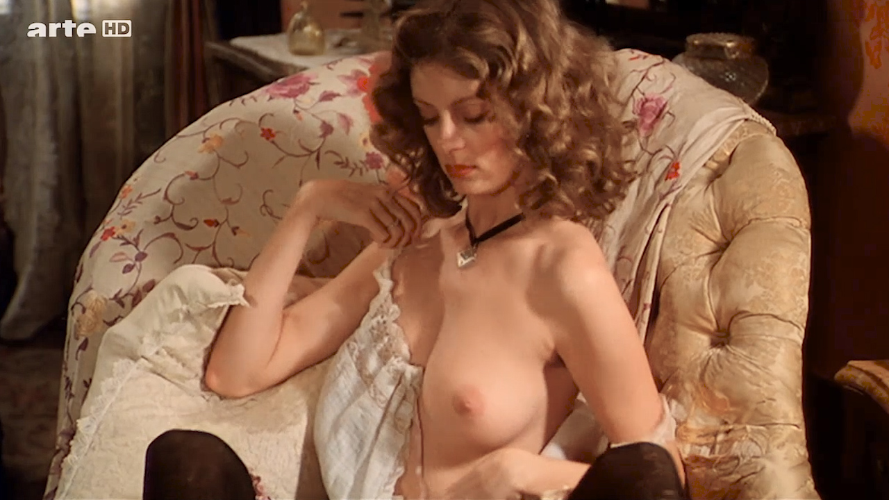 hostel movie nude scene