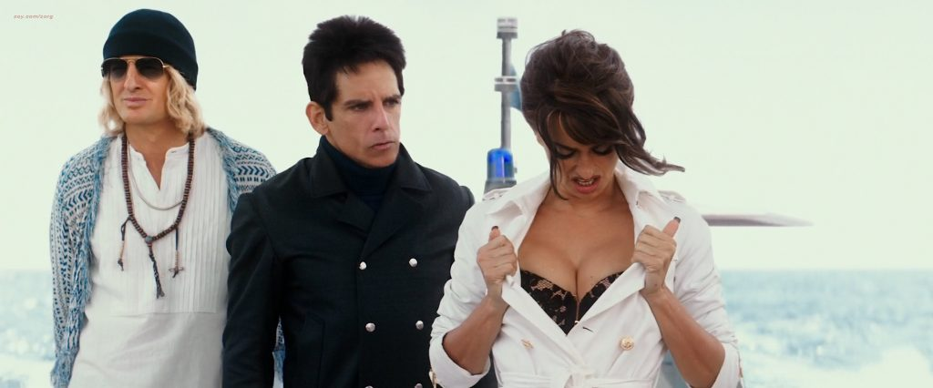 Penélope Cruz hot busty cleavage and Naomi Campbell hot - Zoolander 2 (2016) HD 1080p Web-Dl (3)