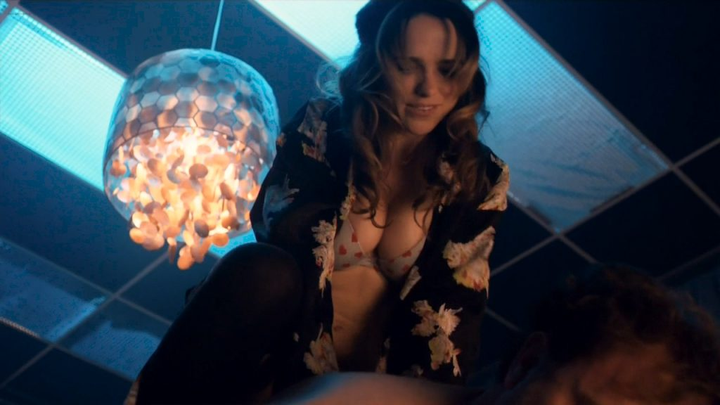 Taylor Marie Frey nude bush and butt, Carla Gugino and Jacqueline Byers hot - Roadies (2016) s1e3 HDTV 720p (11)