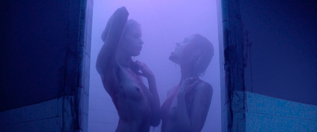 Elle Fanning hot Jena Malone, Bella Heathcote and Abbey Lee nude, topless, bush- The Neon Demon (2016) 1080p WEB-DL (3)