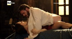 Annabel Scholey nude sex and Valentina Belle nude too – Medici Masters of Florence (2016) s1e6-8 HD 1080p (10)
