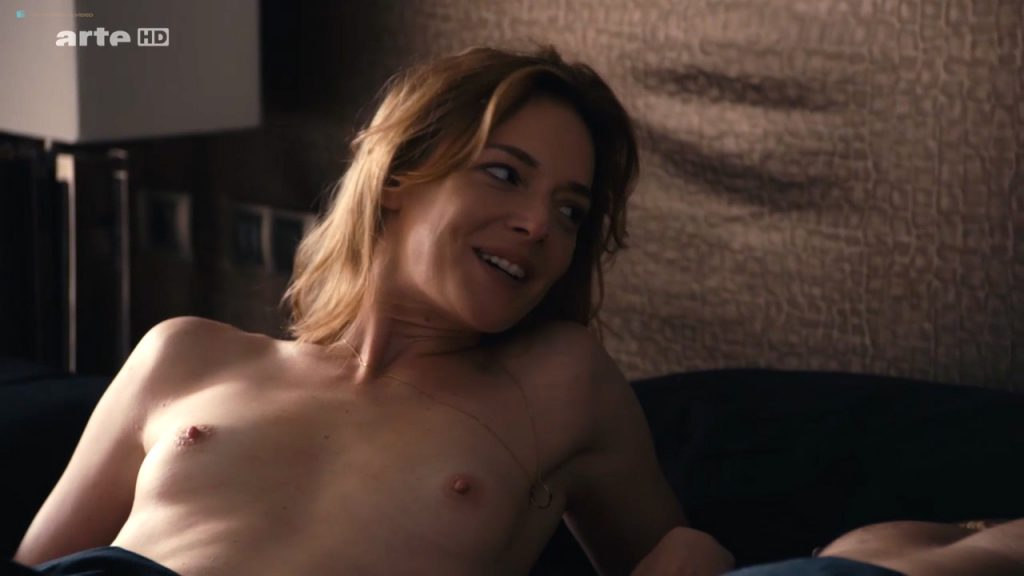 Kate Moran nude topless and sex – Cannabis (2016) s1e4-5 HD 720p (1)