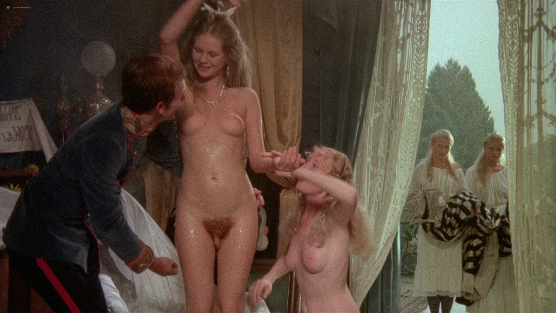 Emmanuelle 4 1984 with sylvia kristel and marylin jess 6
