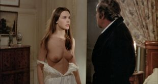 Carole Bouquet nude Angela Molina nude bush - That Obscure Object of Desire (1977) HD 1080p BluRay (12)