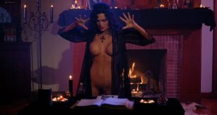 Julie Strain nude full frontal Rochelle Swanson and others nude lesbian sex - Sorceress (1994) HD 1080p BluRay (3)