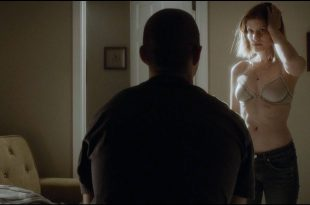 Kate Mara hot and sexy in bra - Man Down (2016) HD 1080p (6)